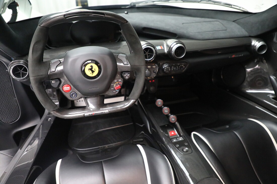 2014 Ferrari La image _615e9d0bd97387.97085214.jpg