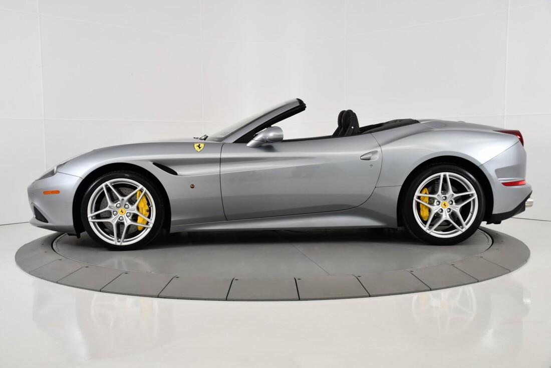 2015 Ferrari  California T image _615fec71cdf300.33056842.jpg