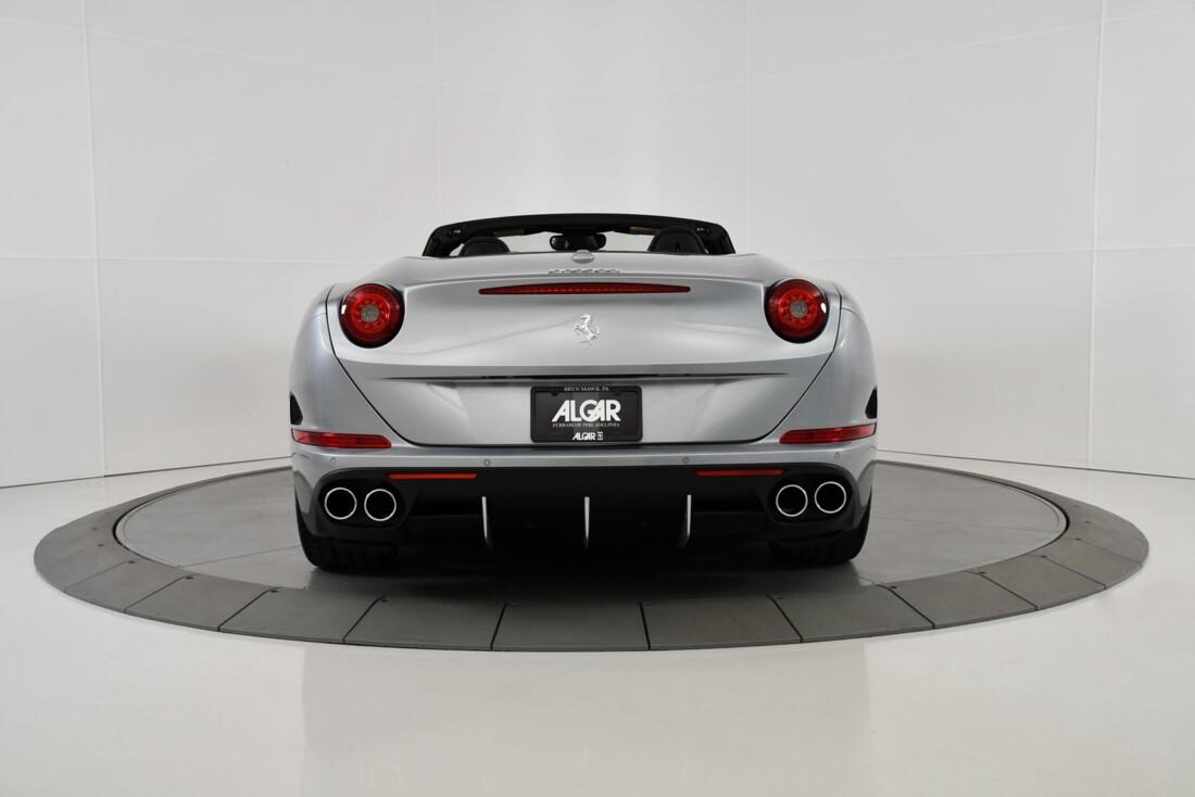 2015 Ferrari  California T image _615fec73baff59.92088319.jpg