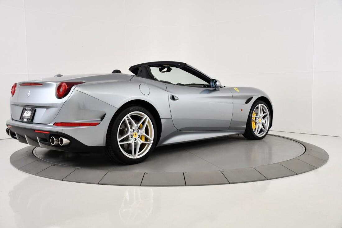 2015 Ferrari  California T image _615fec747493b1.47336942.jpg