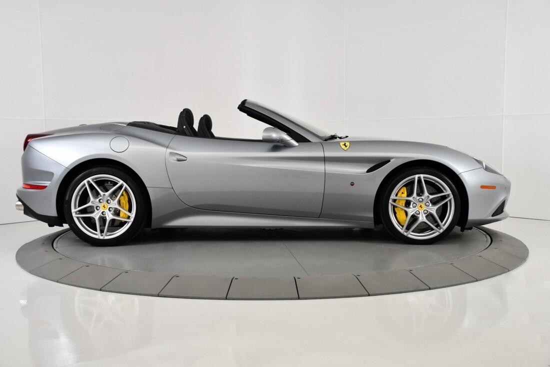2015 Ferrari  California T image _615fec753568b3.39422265.jpg