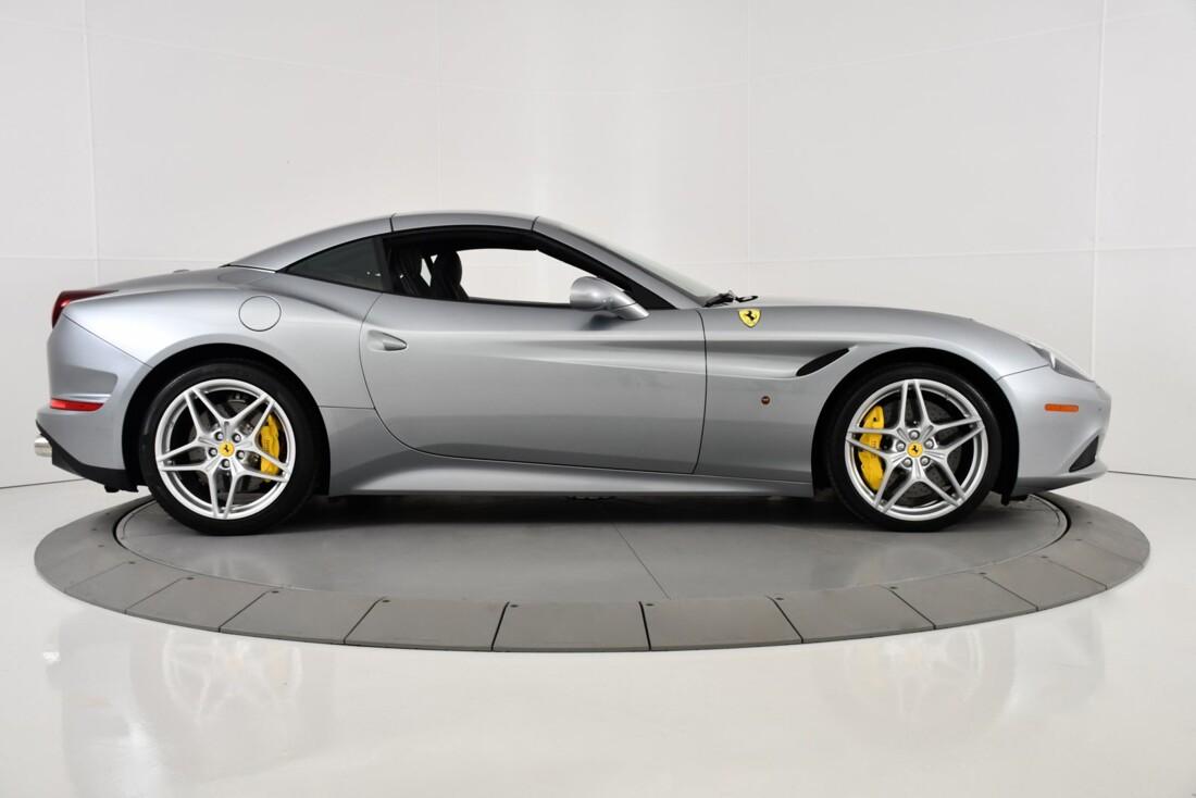 2015 Ferrari  California T image _615fec7748f402.47537636.jpg