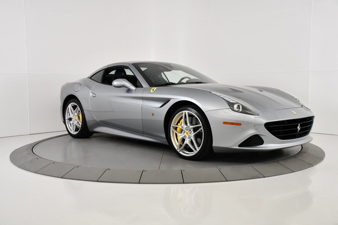 2015 Ferrari  California T image _615fec7813bda9.38860177.jpg