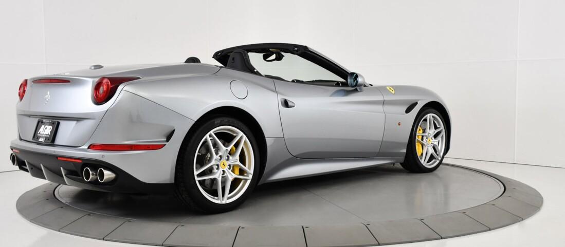 2015 Ferrari  California T image _615fec83024f47.54278351.jpg