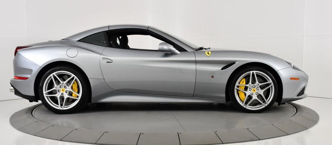2015 Ferrari  California T image _615fec85cfe4c3.21126272.jpg