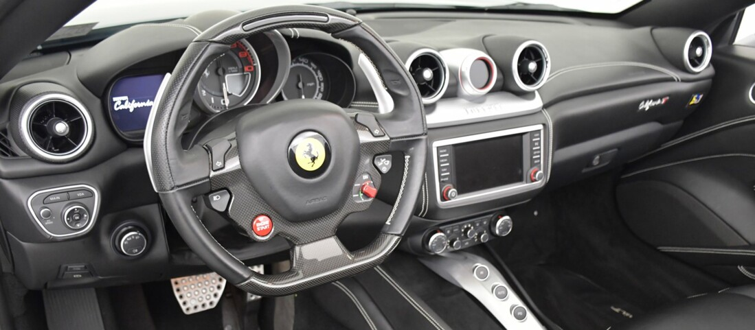 2015 Ferrari  California T image _615fec87891741.90163760.jpg