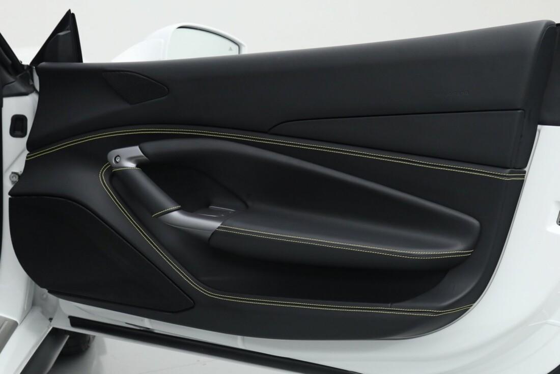 2021 Ferrari F8 Tributo Spider image _615fed8bc90ba5.82469613.jpg