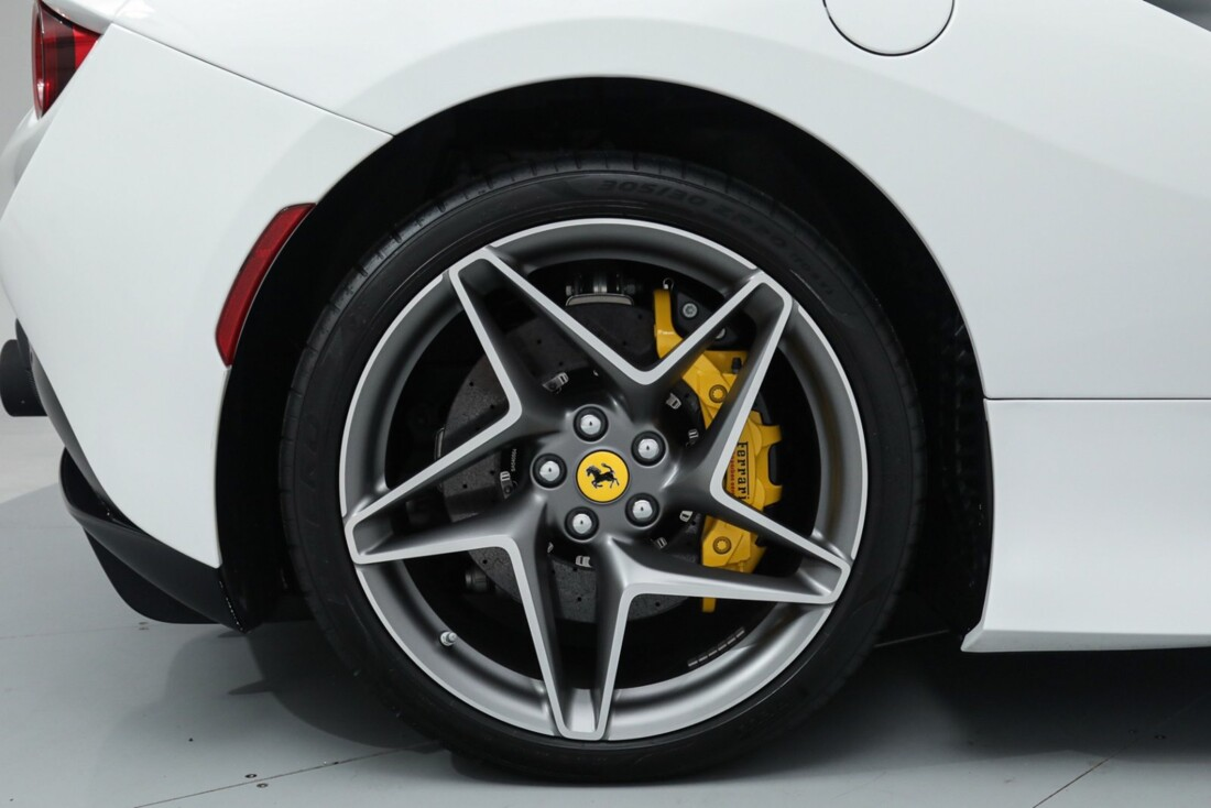 2021 Ferrari F8 Tributo Spider image _615fed9e825ff2.53785117.jpg