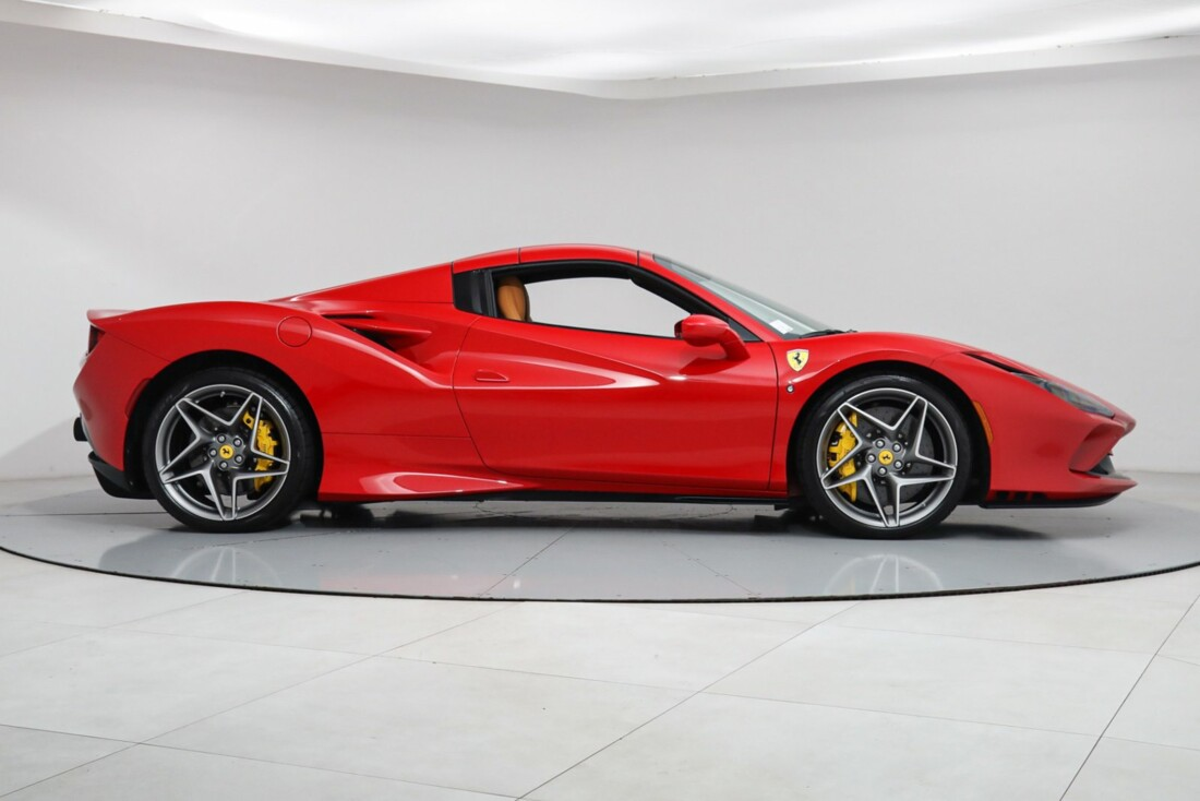 2021 Ferrari F8 Tributo Spider image _615fedba377cf4.46246143.jpg