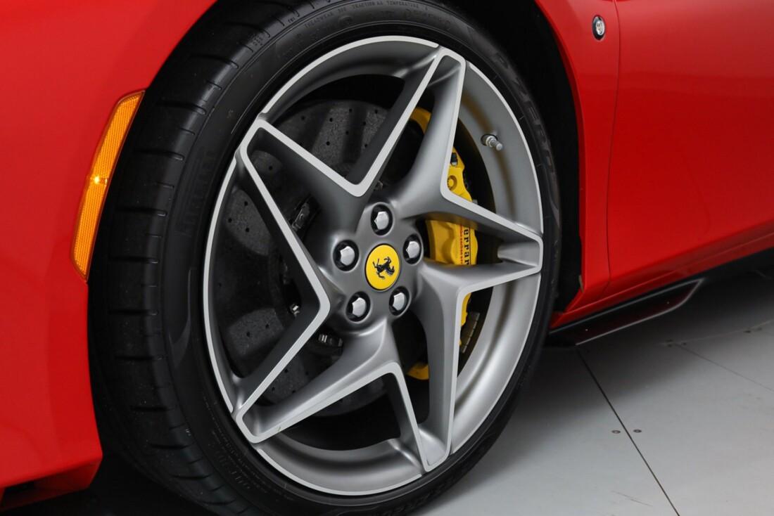 2021 Ferrari F8 Tributo Spider image _615fedbeeff746.39049425.jpg