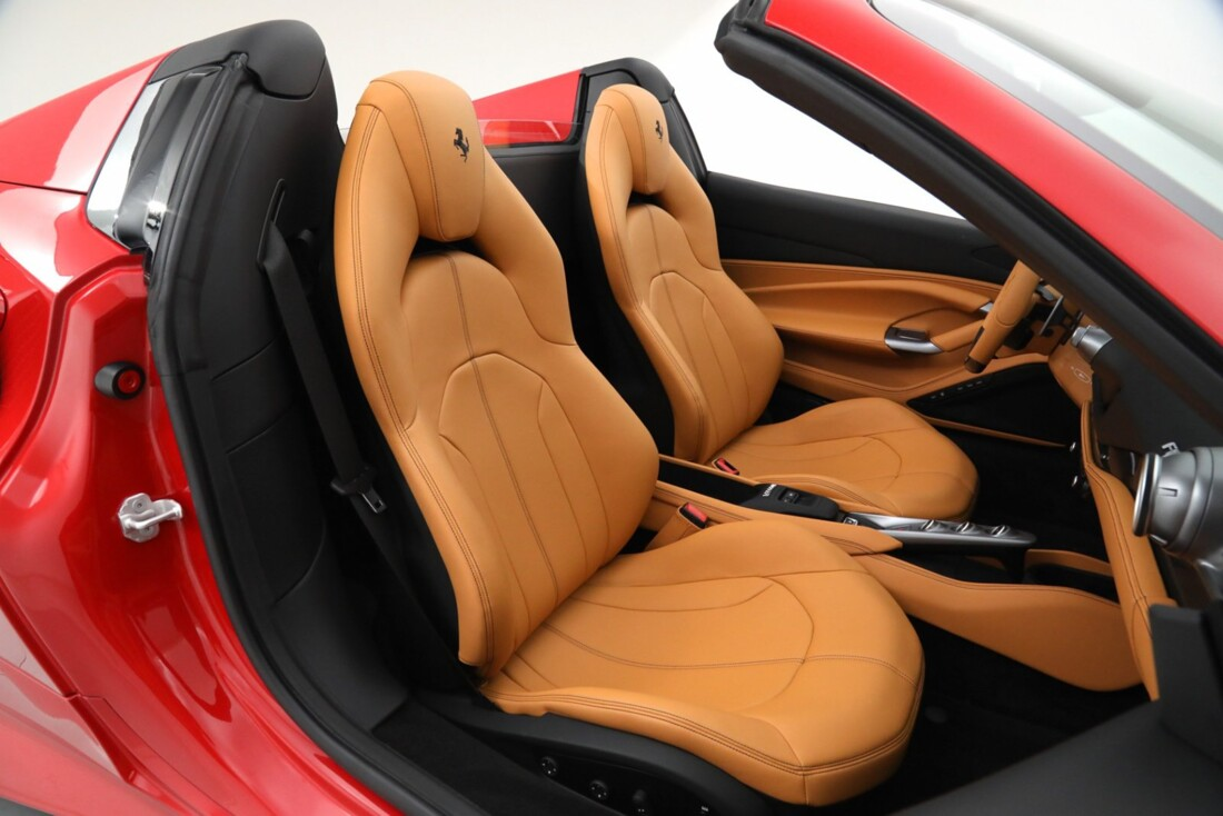 2021 Ferrari F8 Tributo Spider image _615fedc2b39419.68460301.jpg