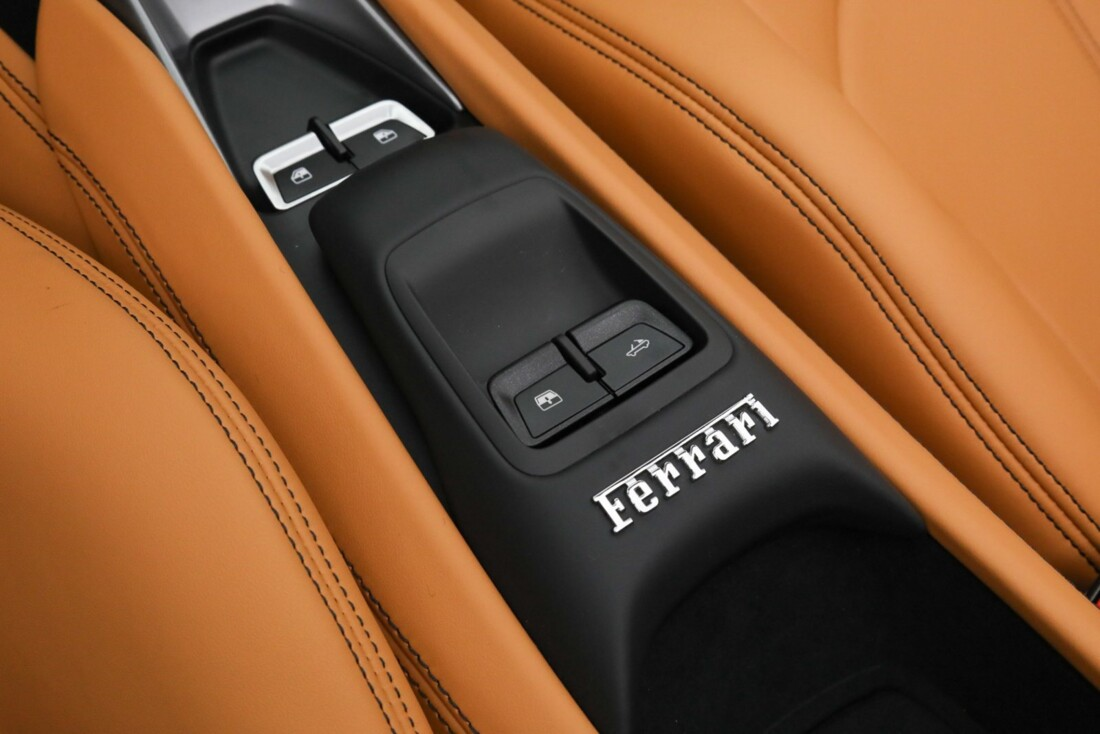 2021 Ferrari F8 Tributo Spider image _615fedc82e5126.23327959.jpg