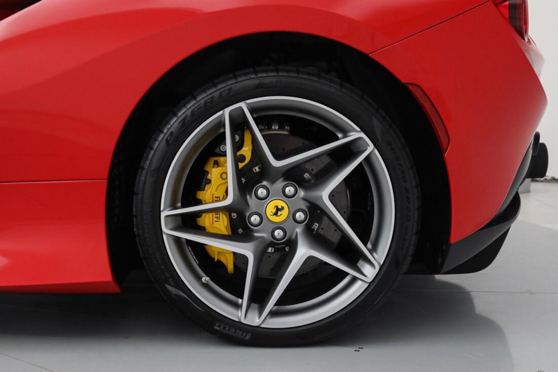 2021 Ferrari F8 Tributo Spider image _615fedd1988903.67938362.jpg
