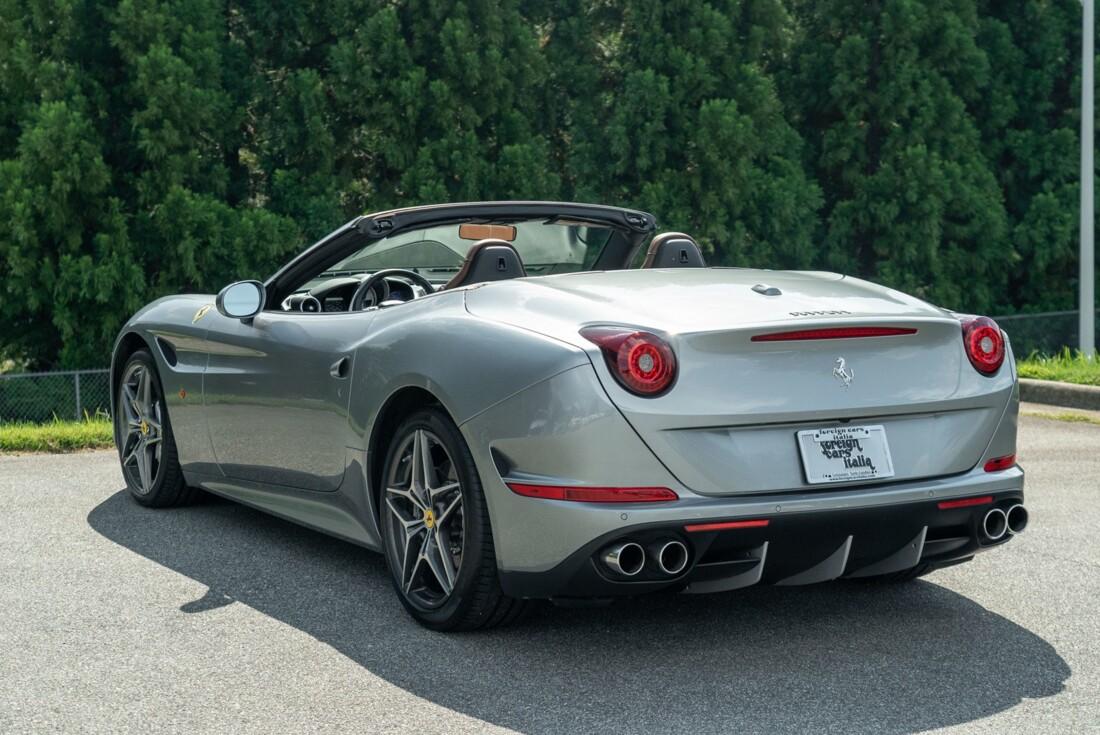 2017 Ferrari  California T image _615fedf34f6201.97459149.jpg