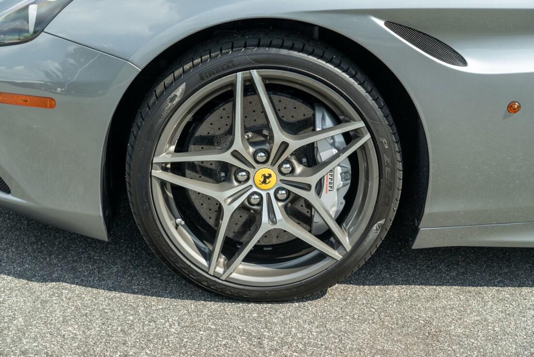 2017 Ferrari  California T image _615fedfab43a75.81421102.jpg