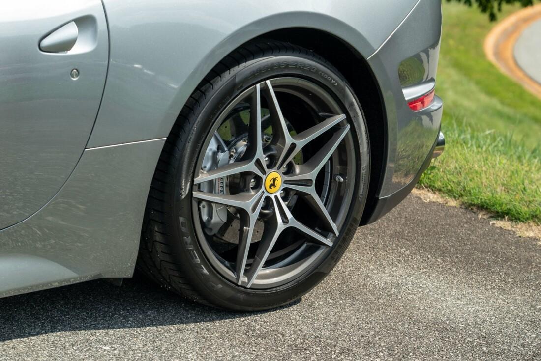 2017 Ferrari  California T image _615fedfb8139a8.79275441.jpg