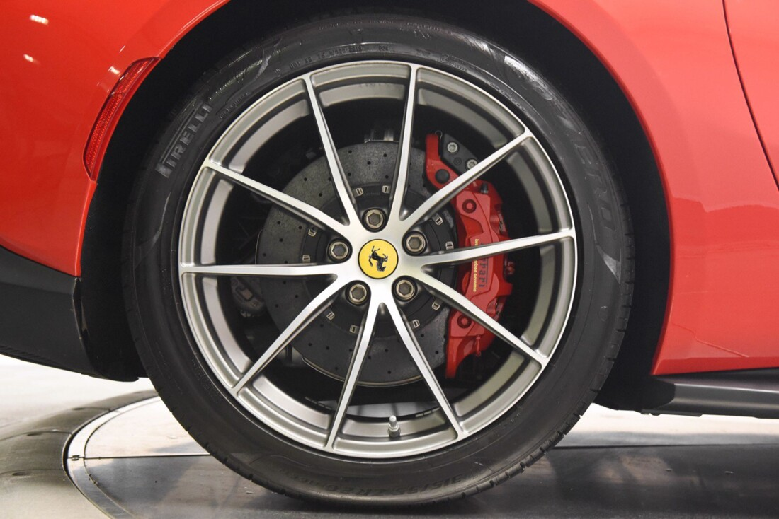 2020 Ferrari 812 Superfast image _615fee481a97d3.15380310.jpg