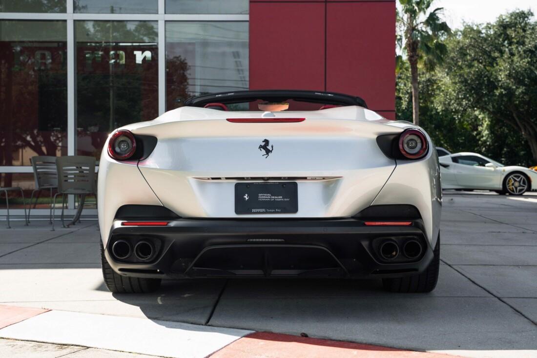 2019 Ferrari  Portofino image _61613e05b29c32.57602430.jpg