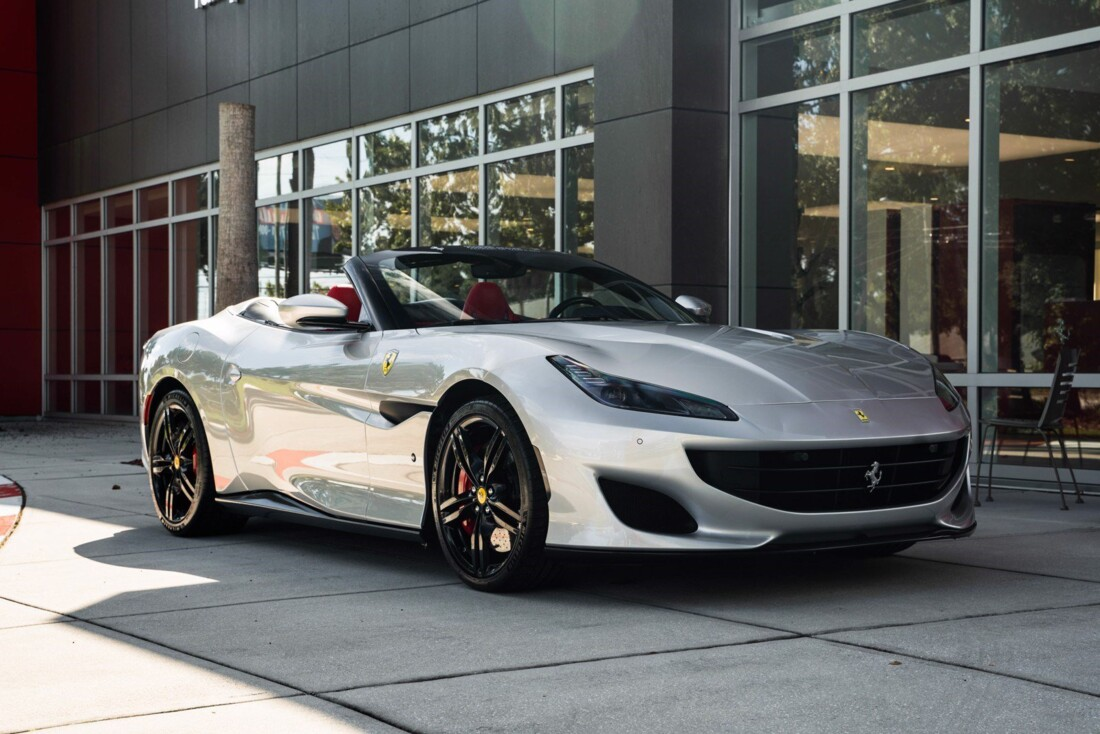 2019 Ferrari  Portofino image _61613e0823e538.57395980.jpg
