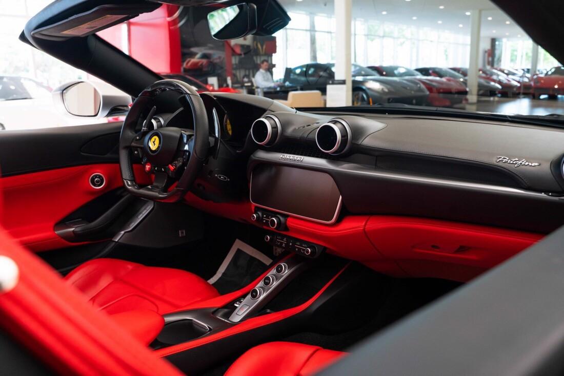 2019 Ferrari  Portofino image _61613e0b0e85e4.06609766.jpg