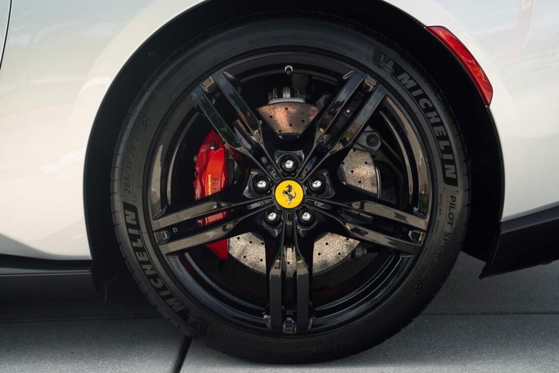 2019 Ferrari  Portofino image _61613e0d5c1169.24902193.jpg