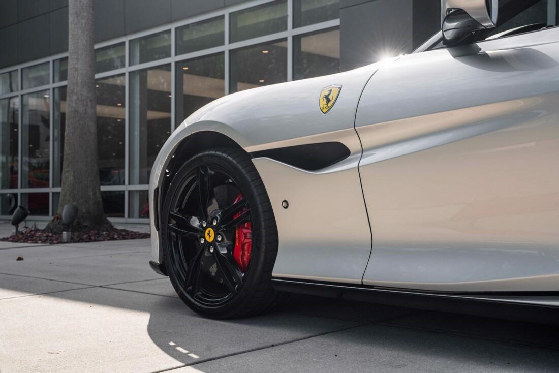 2019 Ferrari  Portofino image _61613e0ed60884.55735745.jpg