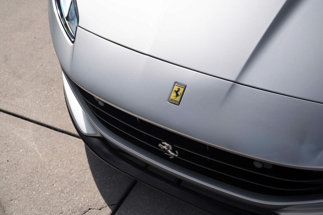 2019 Ferrari  Portofino image _61613e0f8cfd97.89146340.jpg