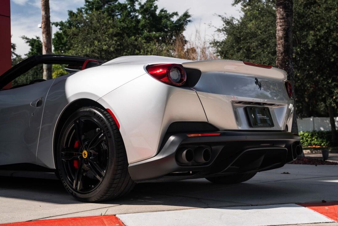 2019 Ferrari  Portofino image _61613e175a4ca3.40930783.jpg