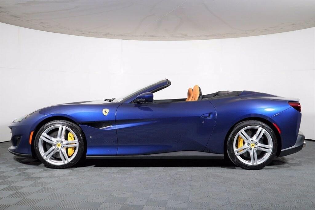 2020 Ferrari  Portofino image _61613fbacbb636.70799637.jpg
