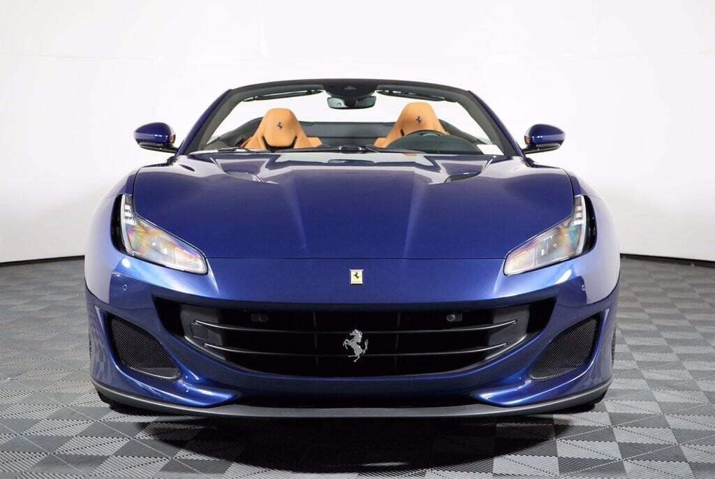 2020 Ferrari  Portofino image _61613fbe2cd727.84163101.jpg