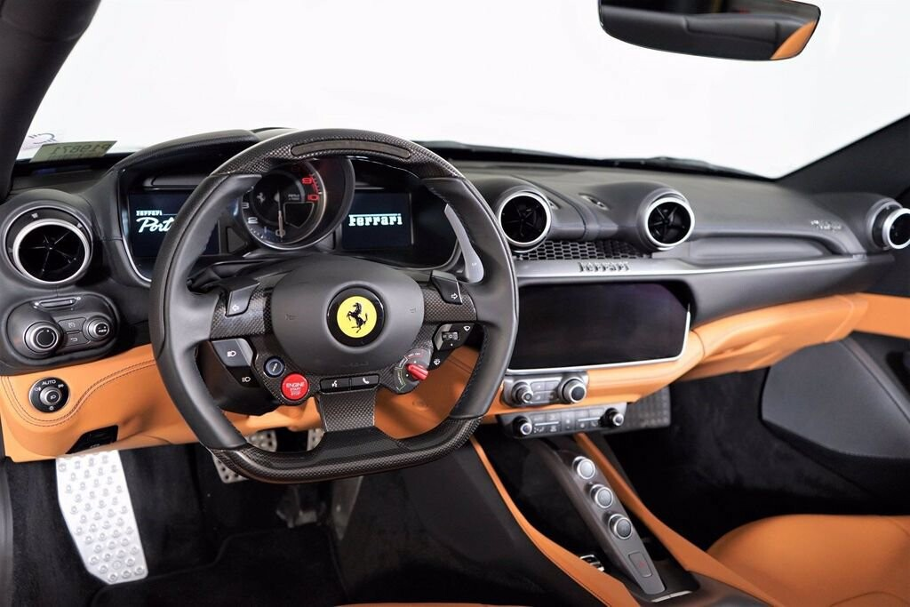 2020 Ferrari  Portofino image _61613fbea1c164.73477229.jpg