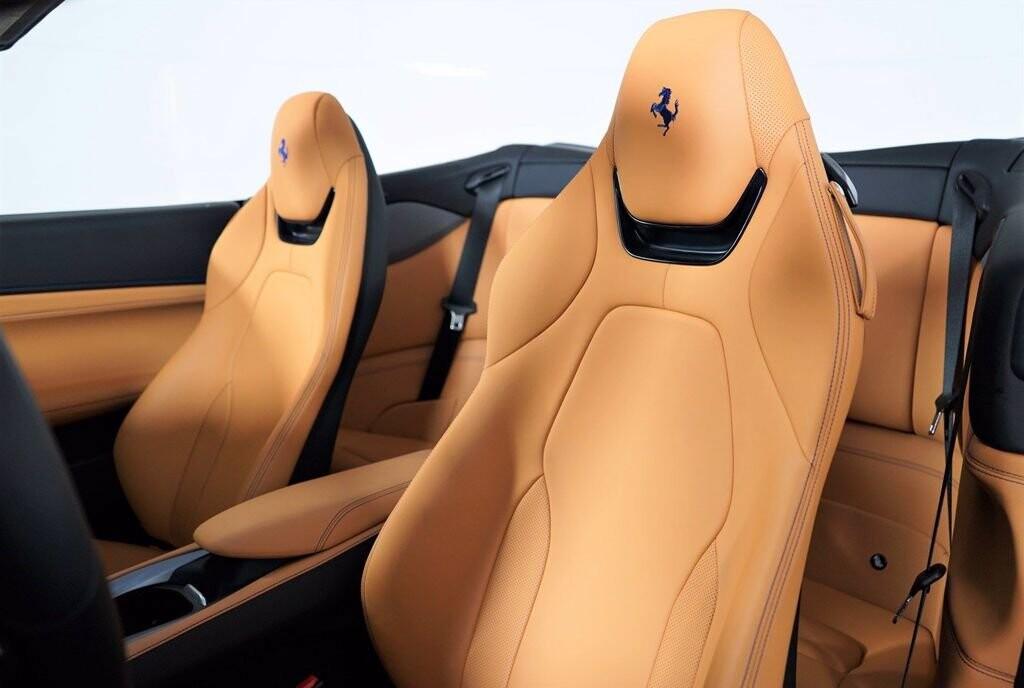 2020 Ferrari  Portofino image _61613fc2b1e823.49247938.jpg