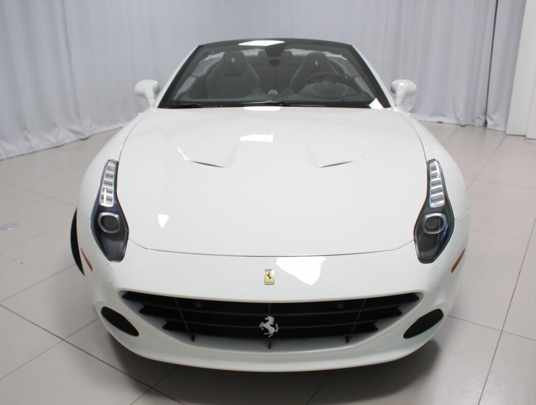 2017 Ferrari  California T image _61628f7f85f578.90192524.jpg