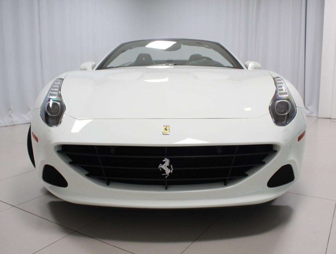 2017 Ferrari  California T image _61628f80441b45.44363986.jpg