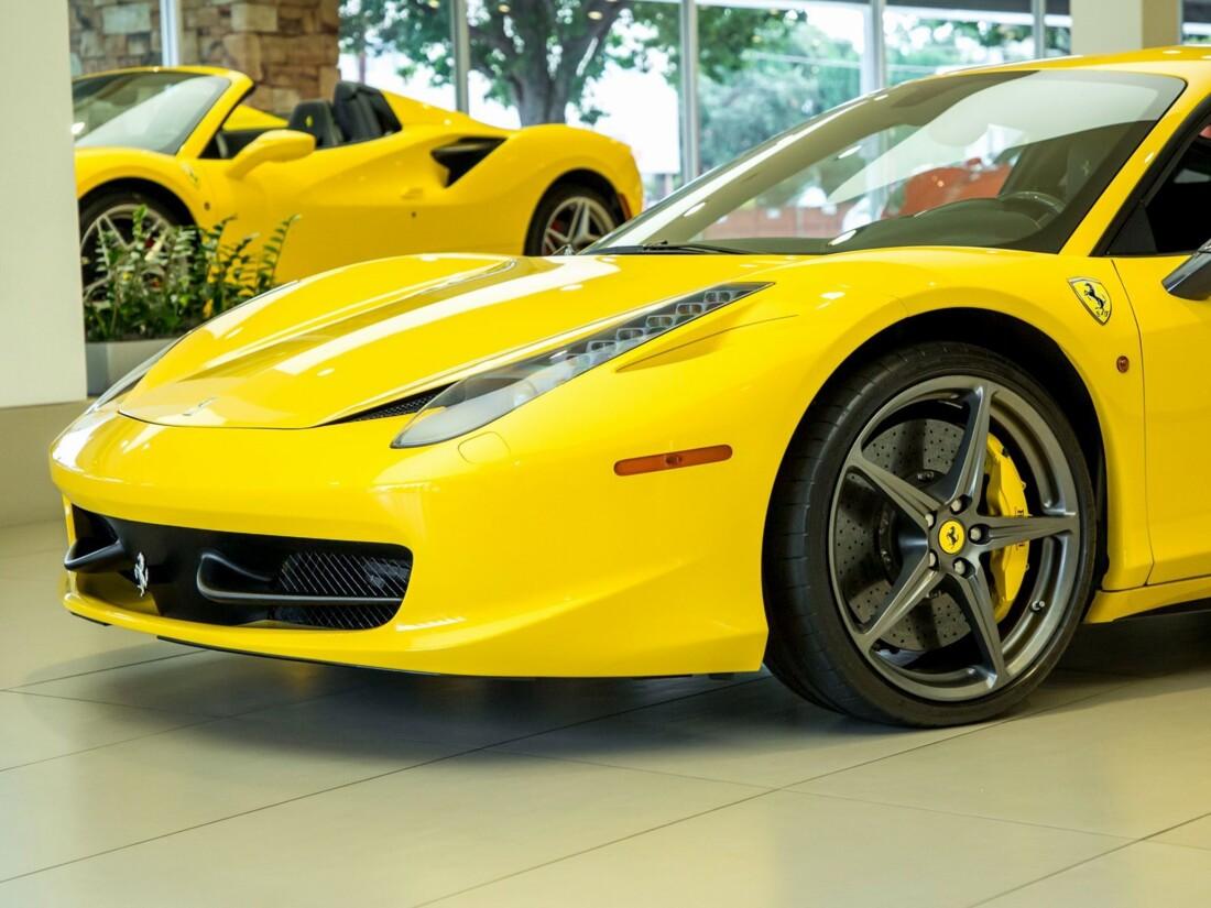 2013 Ferrari  458 Italia image _61628fe34b72d2.46479626.jpg