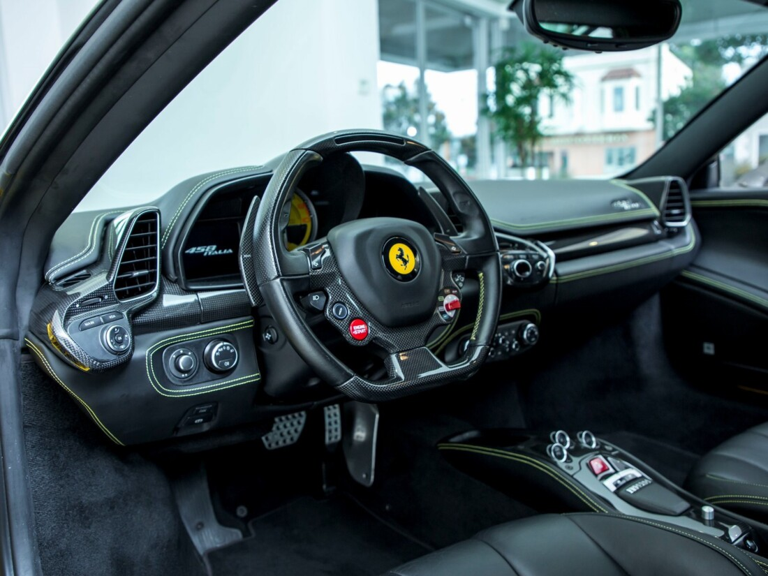 2013 Ferrari  458 Italia image _61628fe66cf792.04114113.jpg