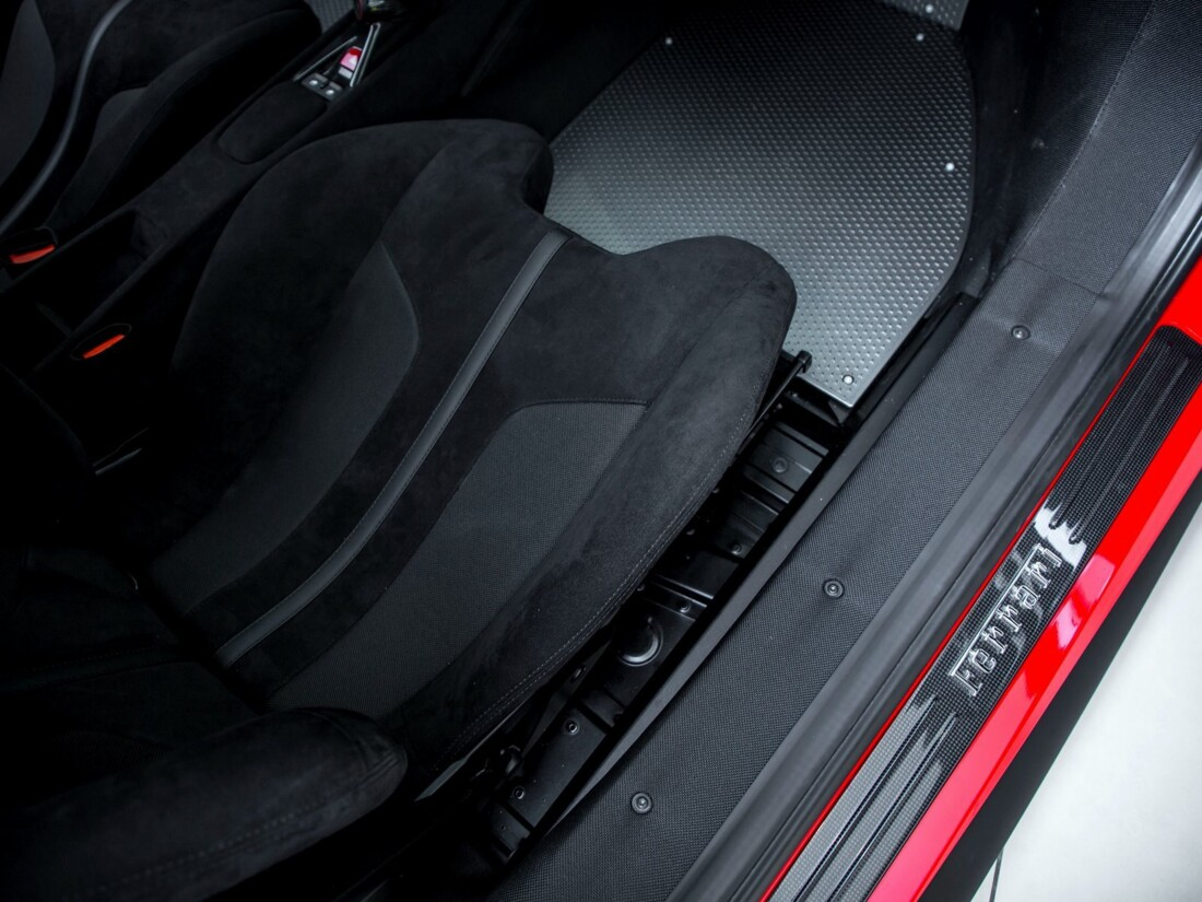 2020 Ferrari  488 Pista image _61629007174182.59235332.jpg
