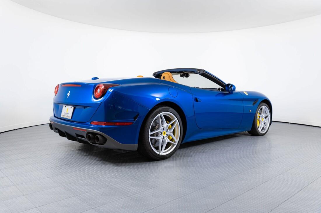 2017 Ferrari  California T image _6162901e4506e7.95067922.jpg