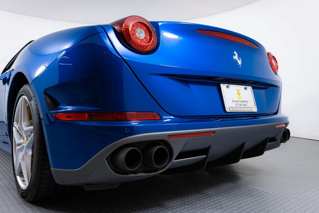2017 Ferrari  California T image _61629026e50495.18138620.jpg