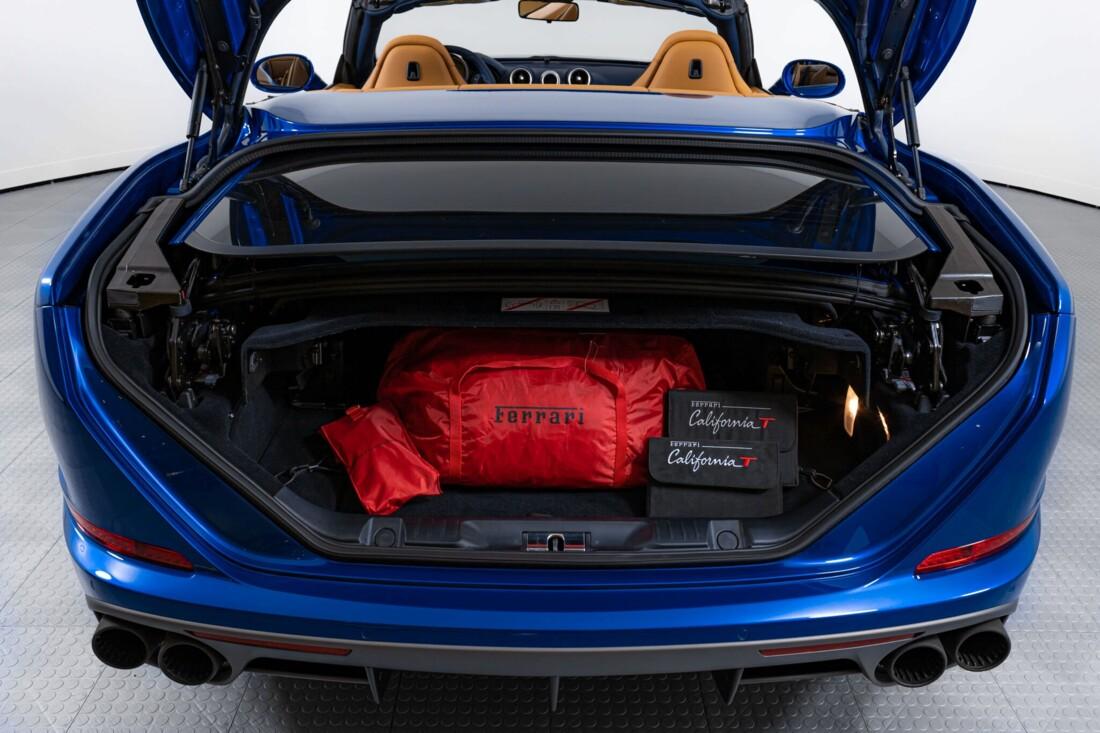 2017 Ferrari  California T image _61629028c4d691.05788334.jpg