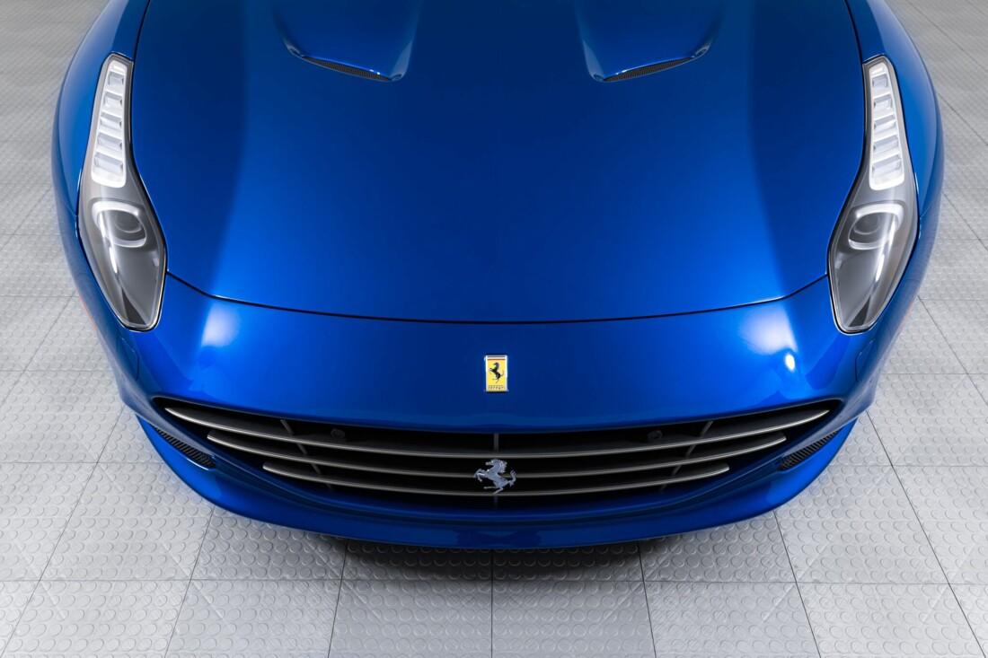 2017 Ferrari  California T image _6162903568a126.16551918.jpg