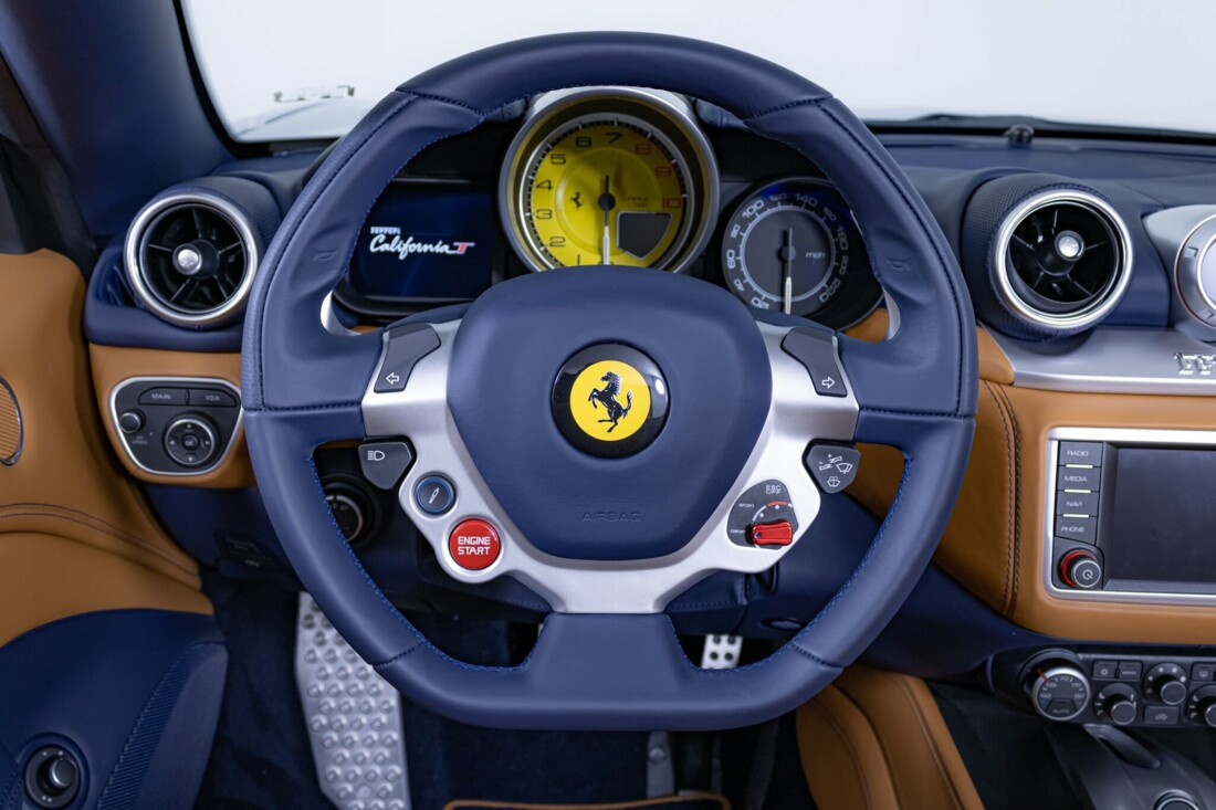 2017 Ferrari  California T image _6162903ea19135.87727602.jpg