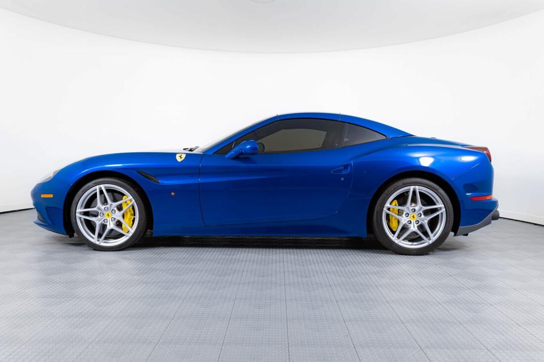 2017 Ferrari  California T image _61629053b775d1.30813021.jpg