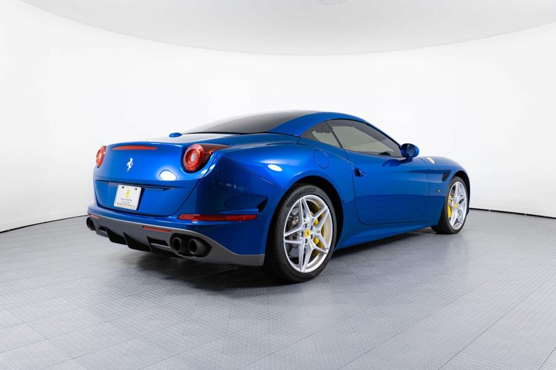 2017 Ferrari  California T image _61629056a163b7.97199805.jpg