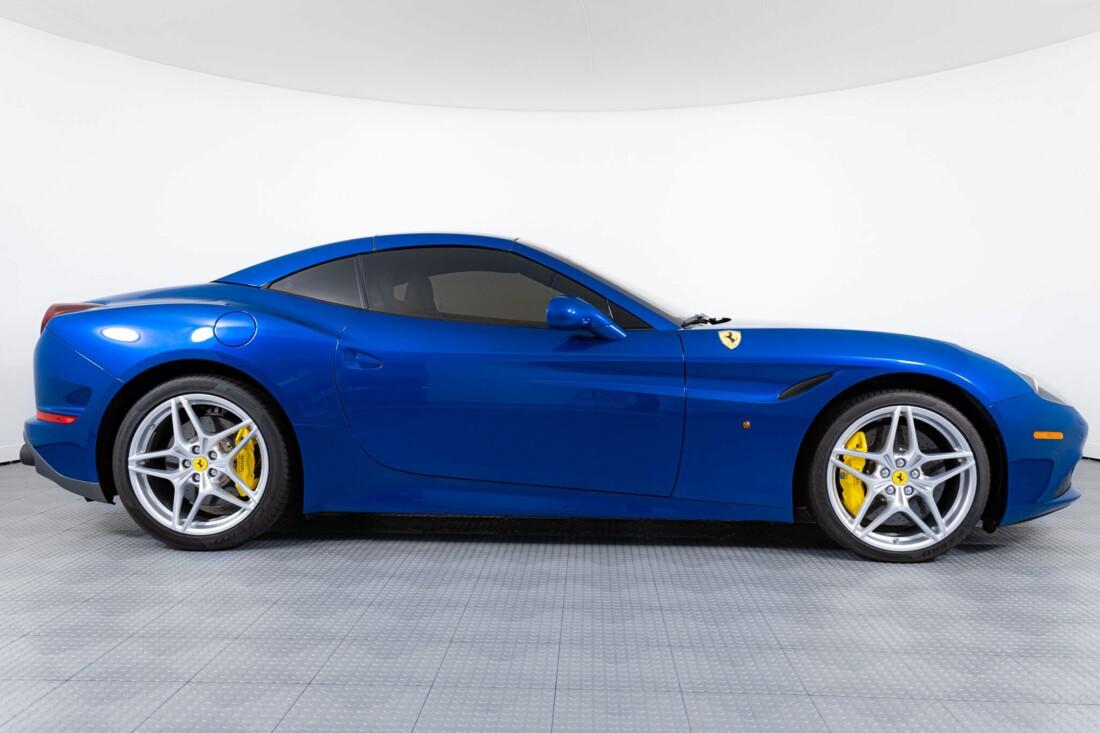 2017 Ferrari  California T image _6162905a278019.20379959.jpg