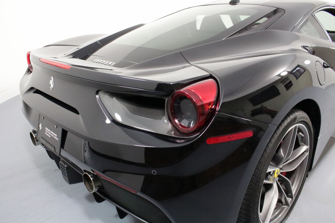 2019 Ferrari 488 GTB image _6163e16cd565b9.08157181.jpg