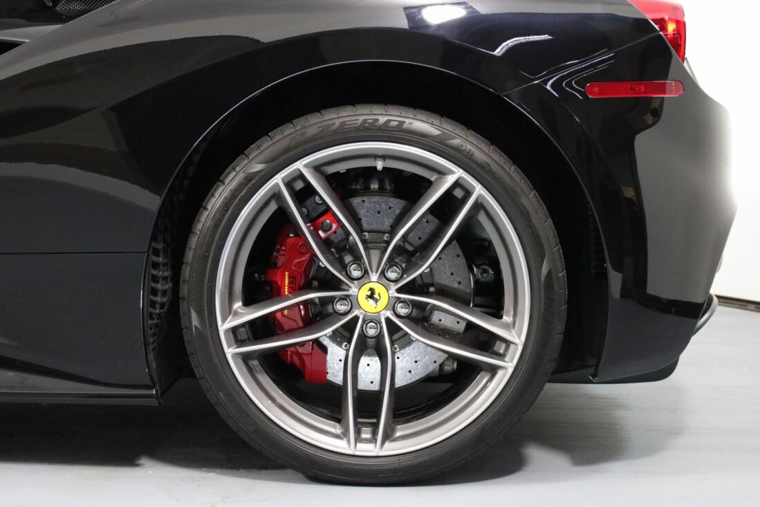 2019 Ferrari 488 GTB image _6163e185e7cf05.35803656.jpg