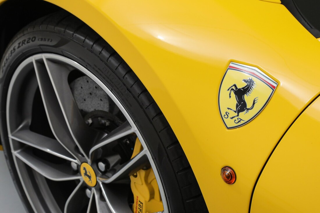 2017 Ferrari 488 Spider image _6167d5d74c4201.09341972.jpg