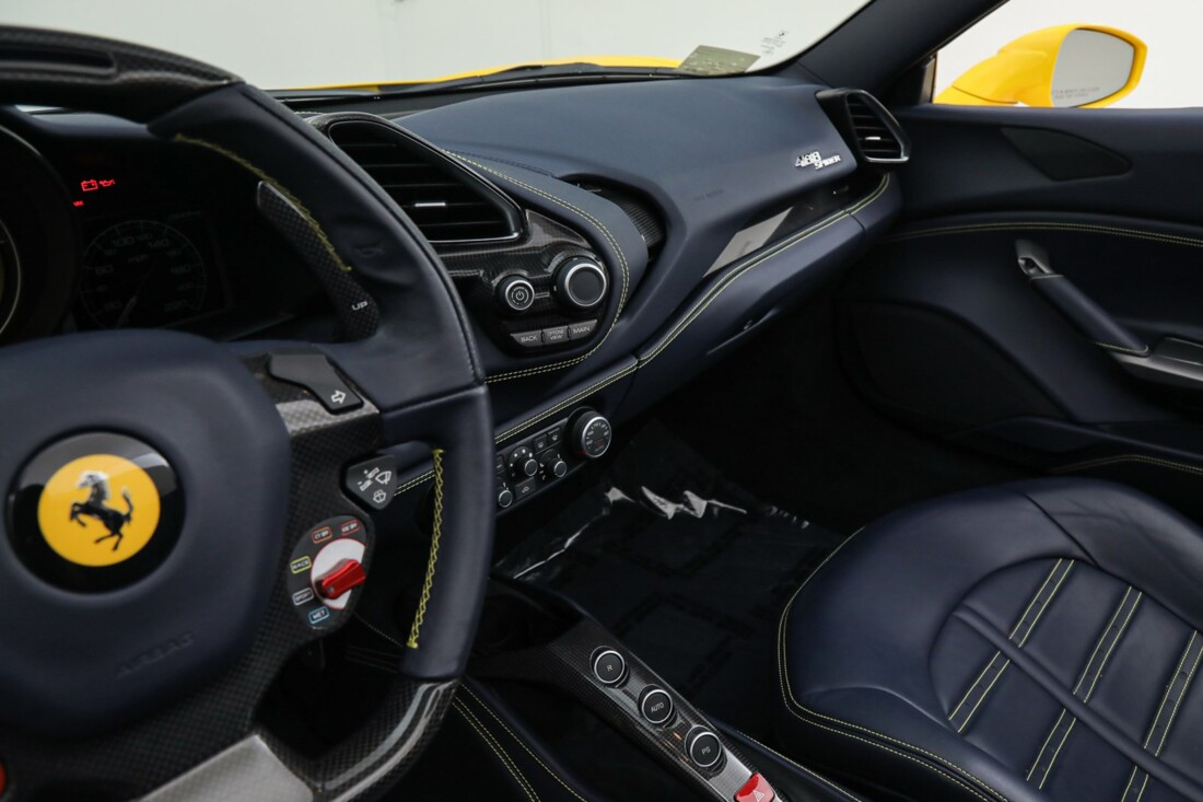 2017 Ferrari 488 Spider image _6167d5e022a469.81976147.jpg