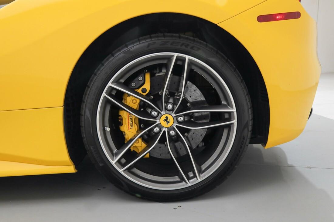 2017 Ferrari 488 Spider image _6167d5eeddd960.37683252.jpg